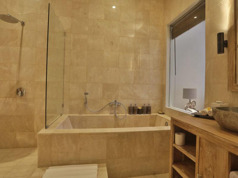 Anuhlkeha_Bathroom better